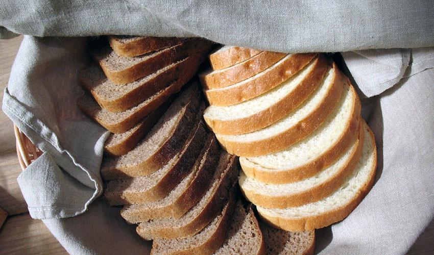 хлеб в миске