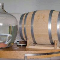 Срок, условия и емкости для хранения самогона