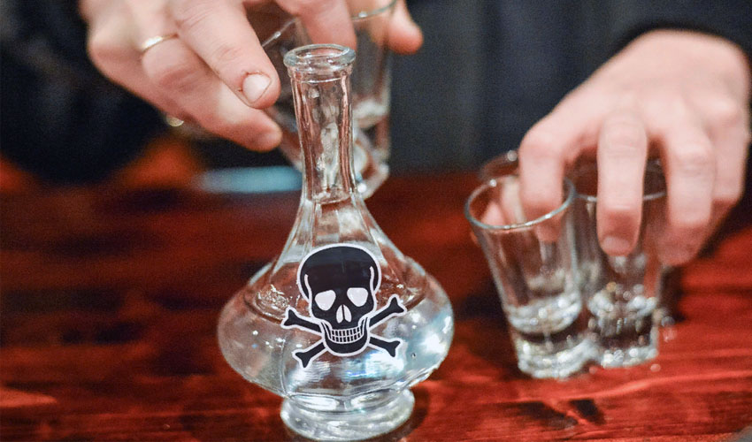 в чем хранить спирт