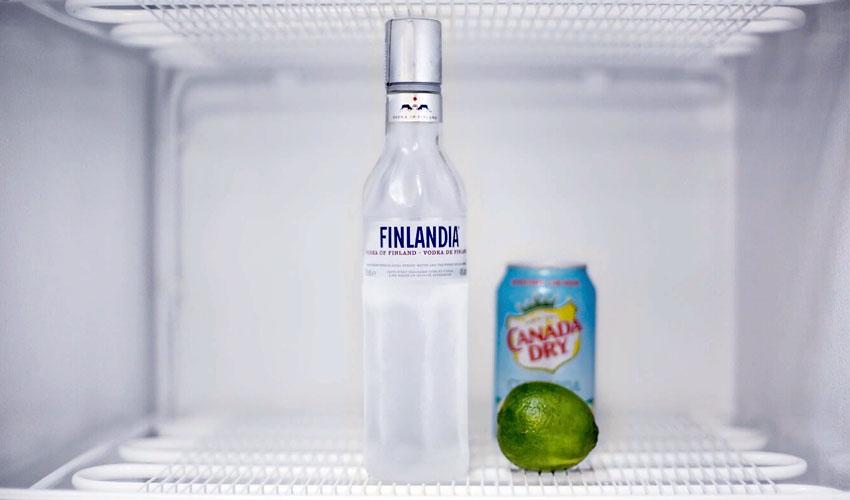водка в холодильнике