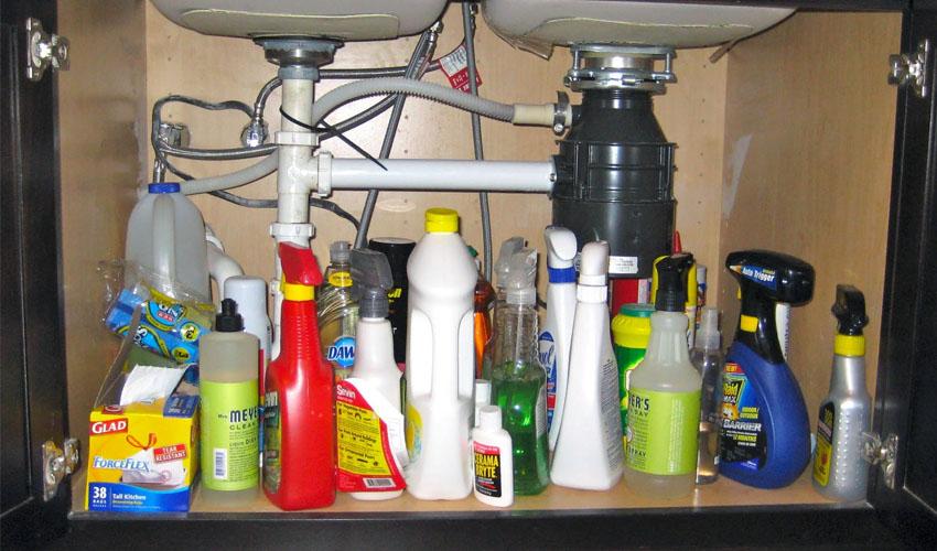 хранение моющих и чистящих средств