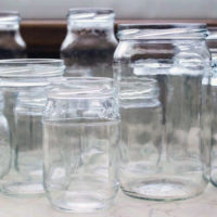 Как хранить пустые стеклянные банки в домашних условиях